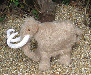Mammoth_woolly_mammoth_by_madmonkeyknits7_small2
