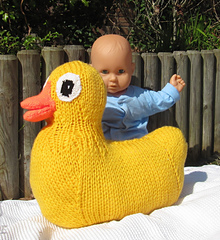 Giant_rubber_duck_toy_by_madmonkeyknits4_small