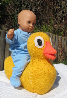 Giant_rubber_duck_toy_by_madmonkeyknits5_small2