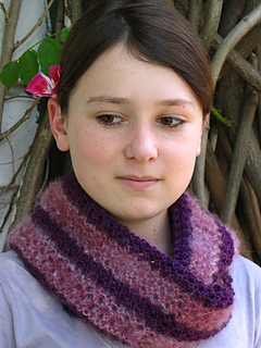 Royal_purple_cowl_6_small2
