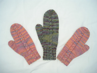 Cable_mittens_small2
