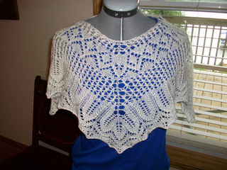 Lace_poncho_3_small2