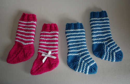 Ravelry: 2-needle baby socks pattern by marianna mel