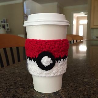 Pokeball_cup_cozy_small2