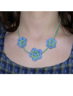 Flower_necklace2_small2