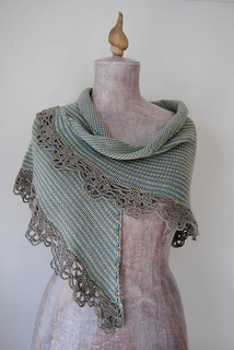 Sedna_s_shawl_i_small2