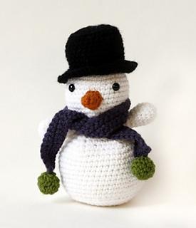 Amigurumi Yarn Type : Ravelry: Amigurumi Snowman pattern by Lion Brand Yarn