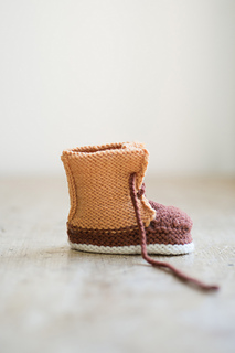 Quince-co-baby-duck-booties-meagan-anderson-knitting-pattern-finch-chickadee-2_small2