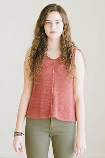 Quince-co-tamsin-dawn-catanzaro-knitting-pattern-kestrel-1_small2