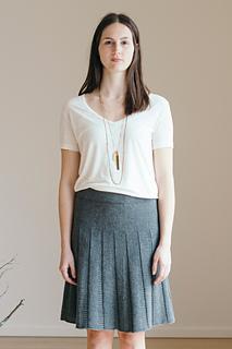 Quince-co-tavia-ann-budd-knitting-pattern-finch-1_small2