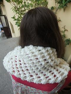 Aria_cowl_cream-marina1_small2