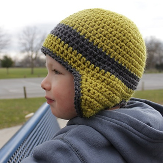 Green_earflap_hat_side_small2