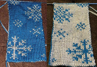Ravelry: Double Knitting Snowflakes Scarf pattern by amilovers