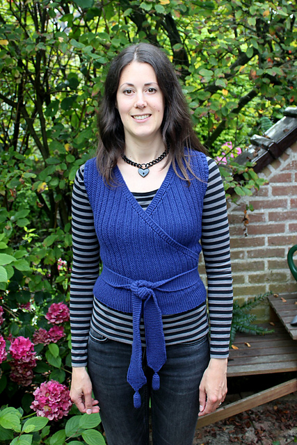 http://www.ravelry.com/projects/misshendrie/scarf-vest