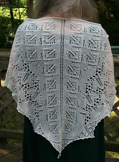 Wendy_s_shawl_small2