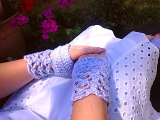 Sublime_serenity_hand_warmers-lacey_small2
