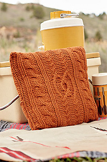 Entwined-cables-pillow-outside_small2
