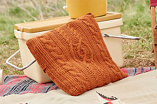 Entwined-cables-pillow-on-cooler_small2