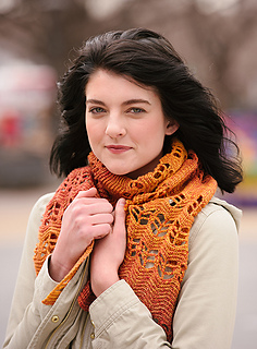 Ripple_scarf_for_chilly_air_small2
