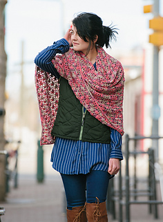 Dappled_shawl_over_the_shoulder_small2