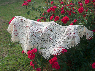 Mary_s_wedding_shawl_004_medium2_small2