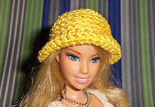 Barbie_cloche_small2
