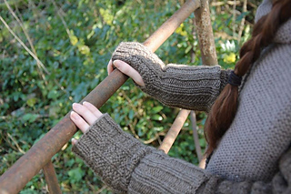 Fingerless_mitts_6_small2