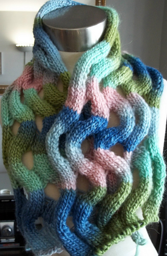 Wavy_ribbons_shawl_medium