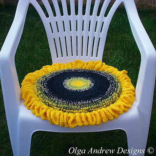 ravelry sunflower chair seat cushion 043 pattern by olga andrew. Black Bedroom Furniture Sets. Home Design Ideas