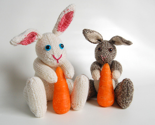 Boris_white_and_brown_carrot_2_small2