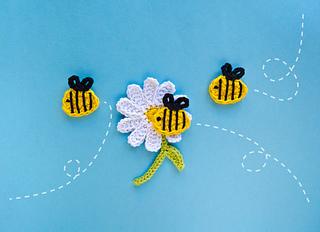 Beeandflower_01_small2