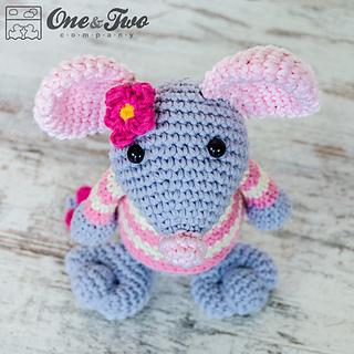 Free Amigurumi Crochet Patterns Mouse : Ravelry: Emily the Mouse Amigurumi pattern by Carolina Guzman