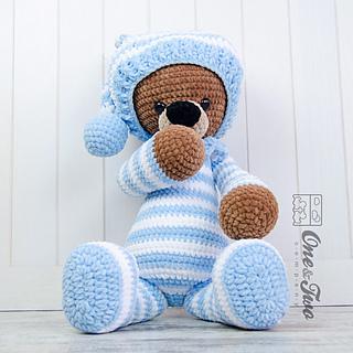 Amigurumi Big Bear : Ravelry: Sydney the Big Teddy Bear pattern by Carolina Guzman