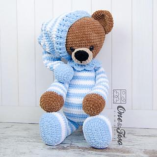 Big Teddy Bear Crochet Pattern Free : Ravelry: Sydney the Big Teddy Bear pattern by Carolina Guzman