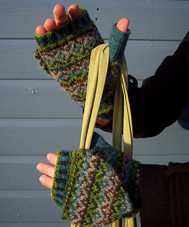 Xylitol_mittens_with_flap_3_small2