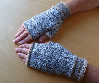 Ella_s_gloves_2_small2