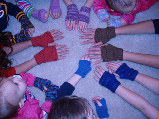 Mitts_for_everyone_1-1-2009_small2