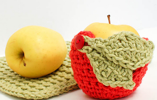 Crochet_apple_cozy__1_of_2__medium