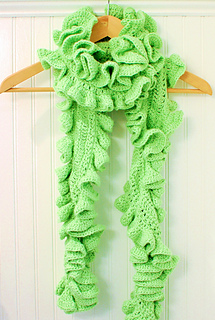Ruffle_scarf_12-3-9_small2