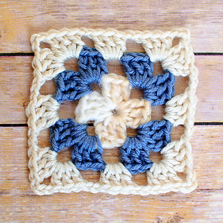 Basic_granny_square_pattern__4_of_4__small2