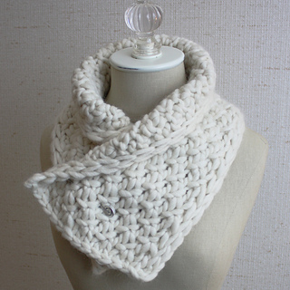 Snow_neckwarmer_2a_small2