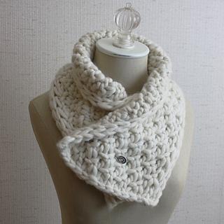 Snow_neckwarmer_3a_small2