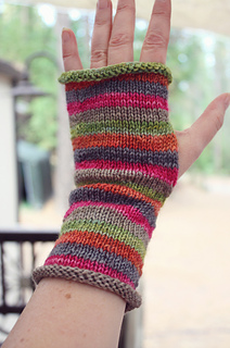 Striped_mitts_2_small2