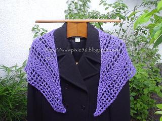 Purple_shawlette_small2
