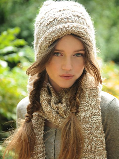 George_hat_scarf_alpaca_knitting_small2