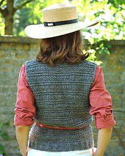 Solo_tank_top_back_alpaca_knitting_kit_small2