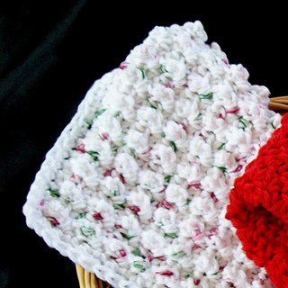 Popcorn_stitch_washcloth_001_small2