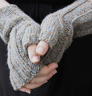 Belmont_mitts_-_aran_version_small2