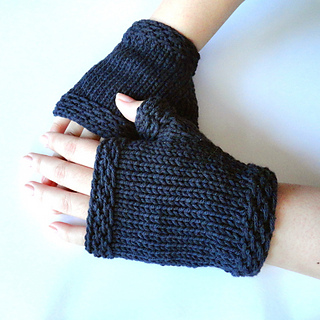Easy_fingerless_gloves_600_small2