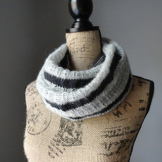 Striped_affair_infinity_scarf_2_small2